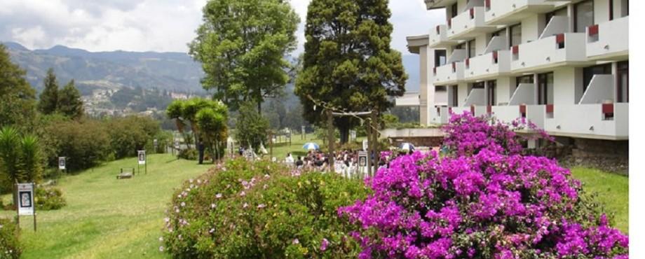 Fachada Fuente hotelsochagota com